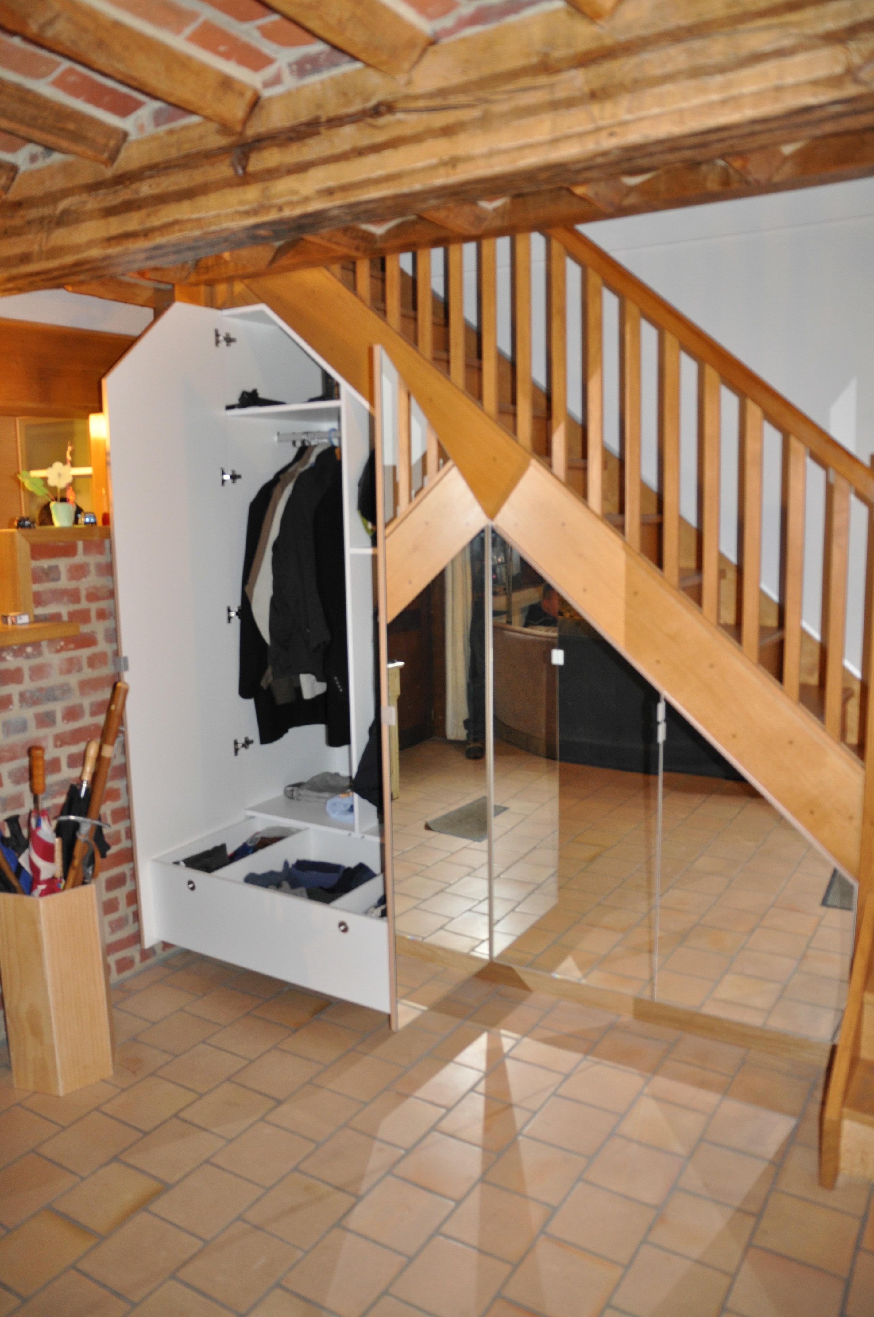 meuble sous escalier samplacard. Black Bedroom Furniture Sets. Home Design Ideas