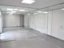 Aménagement de bureaux par la pose de cloisons en verre Sécurit
